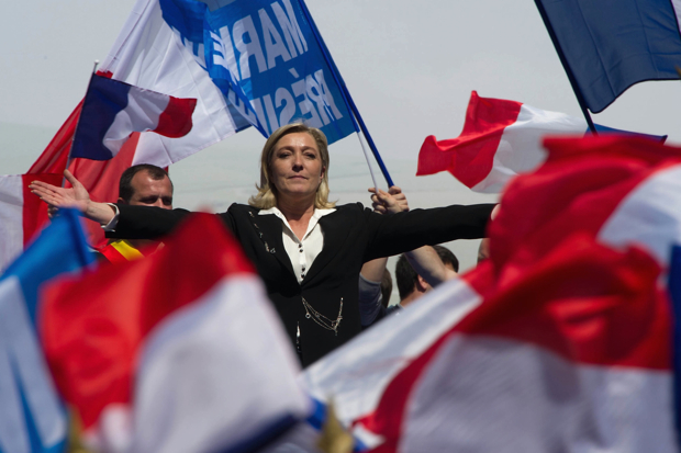 Marine Le Pen 9i open hands Good Photo No Name LLLLL