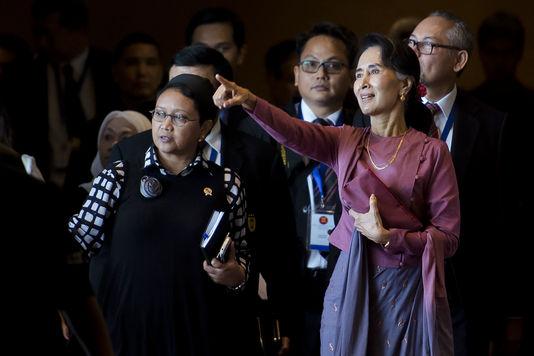 Aung San Suu Kyi - Le Monde