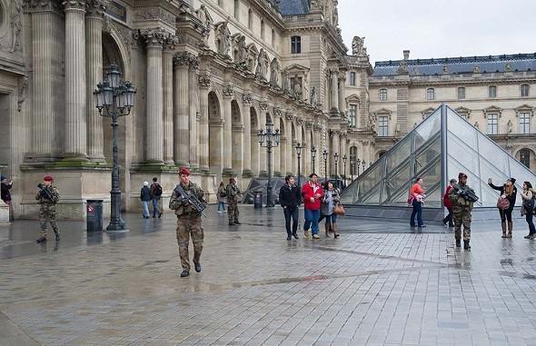 Louvre - Zone militaire