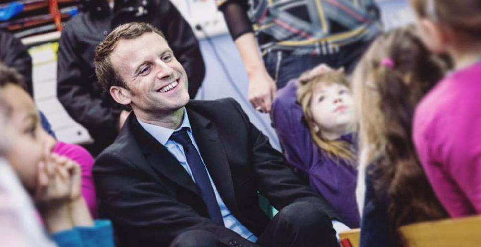 Macron & kids 1a fb LLLL