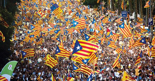 Catalonia protest flags 1a LLLL