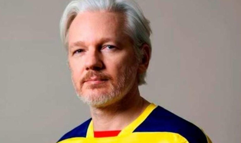 Julian Assange 1a Twitter LLLL
