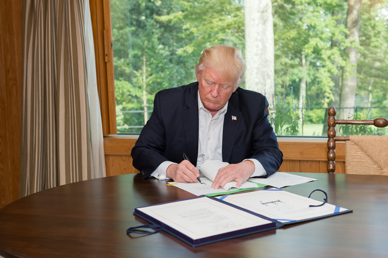 Trump 1a source White House LLLL signing papers