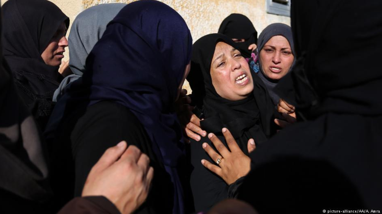 Mourning 1a Palestinian women LLLL