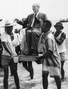 Harold Macmillan carried in the sea at Accra Ghana 1a LLLL