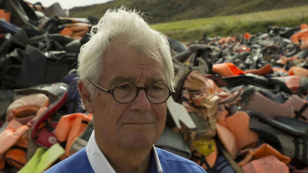 "Photo of Julian Burnside: ""I worry where our democracy is going"""