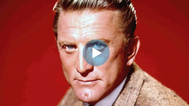 Photo of Kirk Douglas, Indomitable Icon of Hollywood's Golden Age, Dies at 103