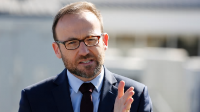 Photo of 'People are angry and anxious': Adam Bandt introduces climate emergency bill