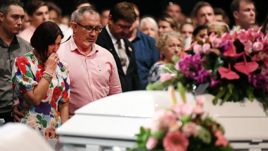 Photo of 'I'm so sorry I couldn't protect you': Hannah Clarke and her children laid to rest