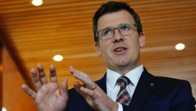 Photo of Judge accuses Immigration Minister Alan Tudge of criminal conduct in immigration case