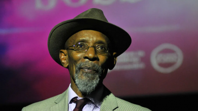 Photo of Jamaican-British Poet Linton Kwesi Johnson Shares 2020 Literature Prize with Amanuel Asrat