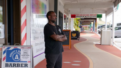 Photo of Murgon's only Aboriginal shopkeeper says he's not going anywhere