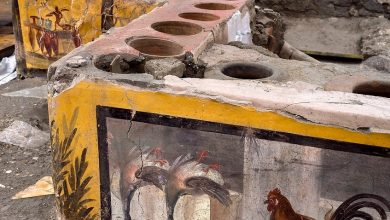 Photo of Well preserved 'fast food' bar unearthed in Pompeii