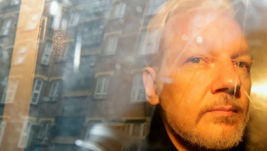 Photo of UK judge refuses extradition of WikiLeaks founder Assange